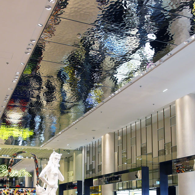 Paris, Printemps at Carrousel du Louvre, Architects Antonio Citterio Patricia Viel, General Contractor VINCI, Ceiling System Maramoja, Ceiling Panels EXYD-M, Photo EXYD