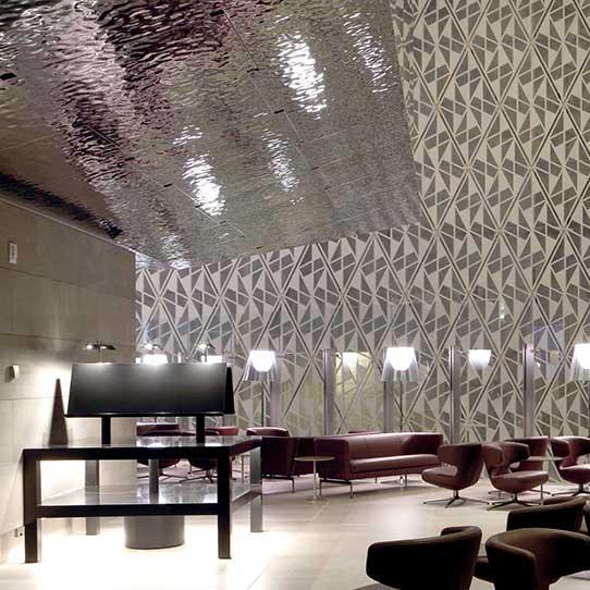 Hamad International Airport in Doha, Al Mourjan Business Lounge, Photo Qatar Airways, 2014